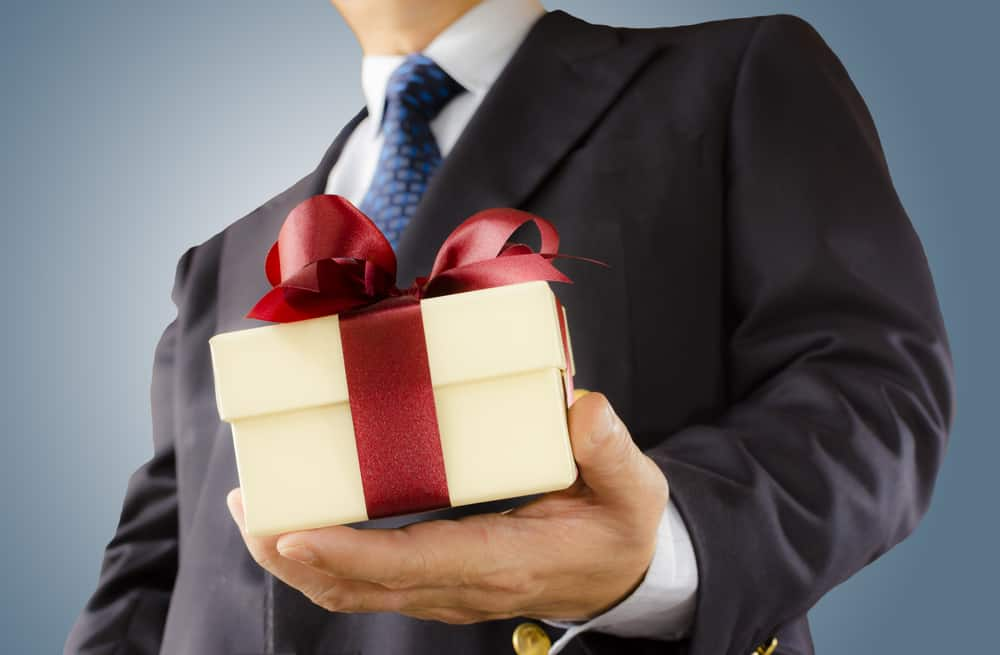 Buying the Executive Gifts this Year? Consider these Tips